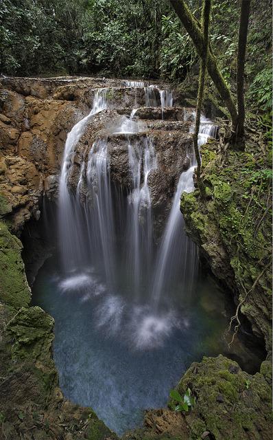 Monkey's Hole Waterfall near Bonito, Mato Grosso do Sul, Brazil