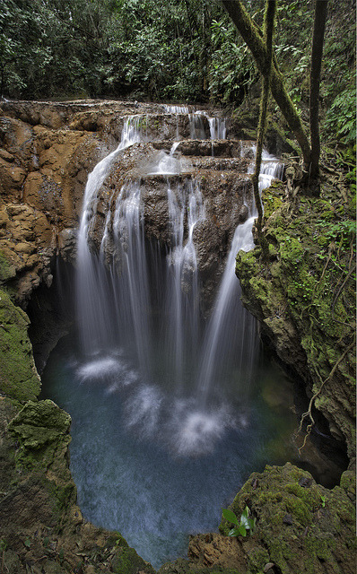 Monkey's Hole Waterfall near Bonito, Mato Grosso do Sul, Brazil